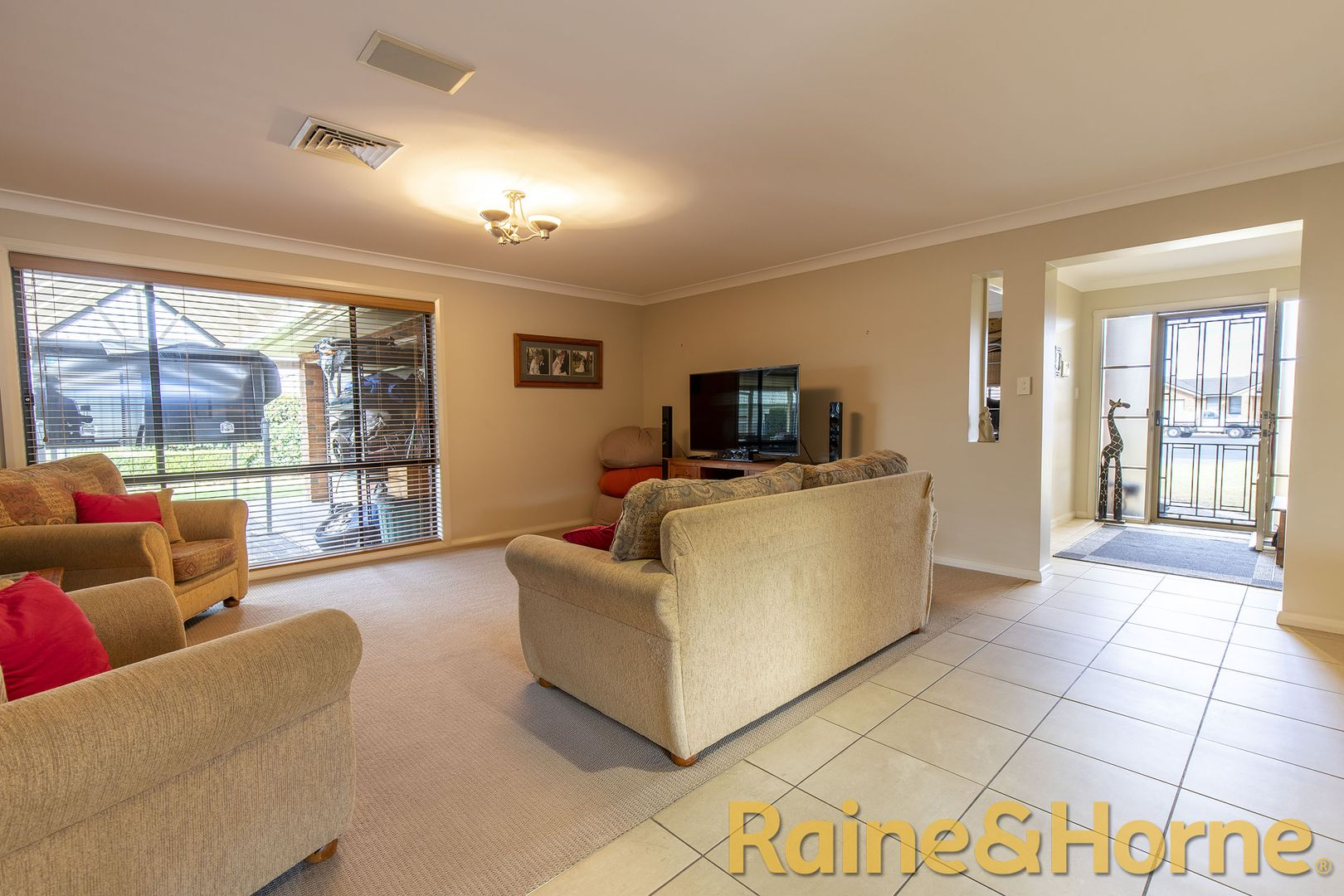 8 Hastings Court, Dubbo NSW 2830, Image 1