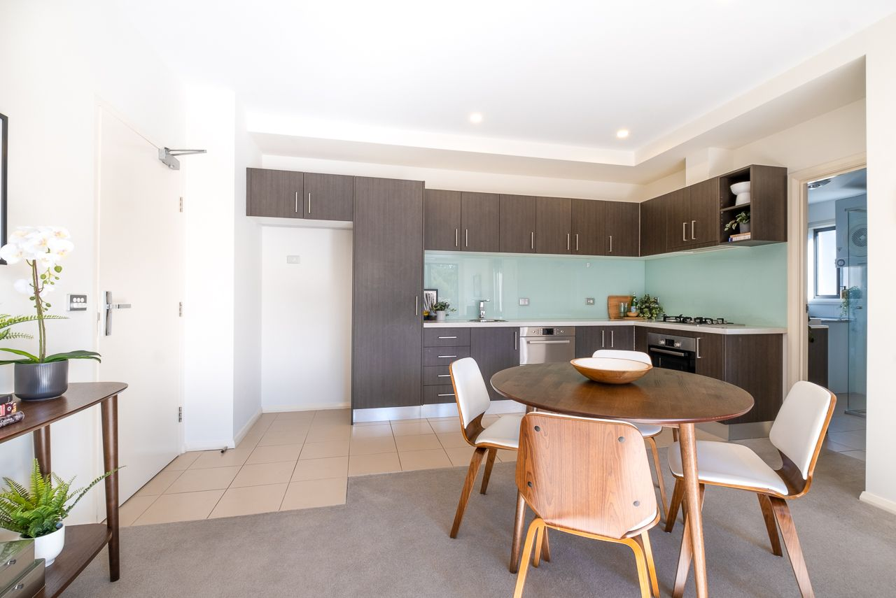 1 bedrooms Apartment / Unit / Flat in 23/29-31 State Circle DEAKIN ACT, 2600