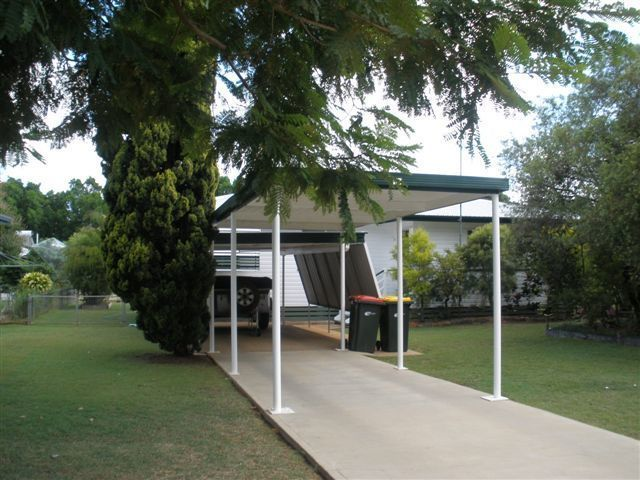 14 Arnold St, Blackwater QLD 4717, Image 2