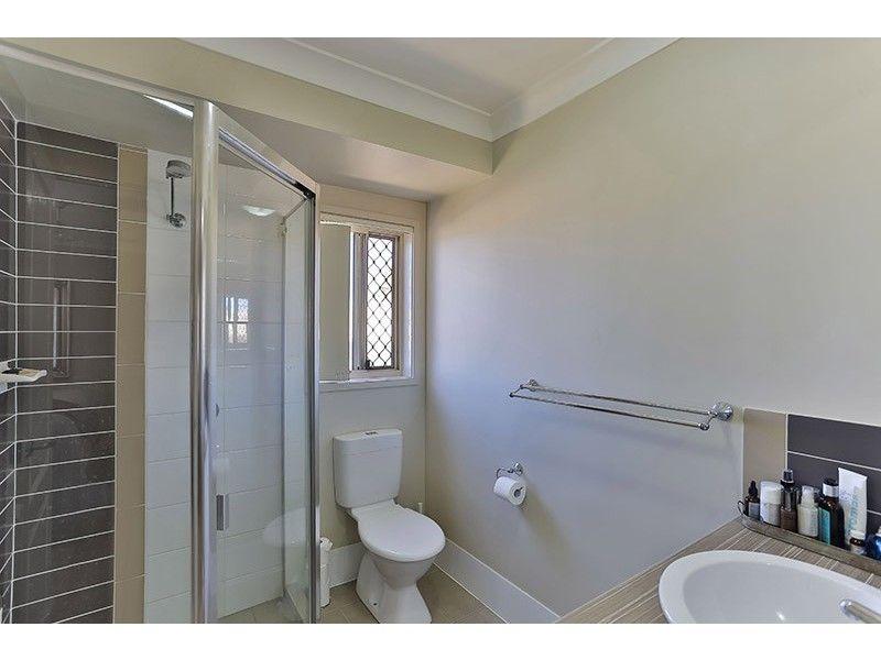 10 Dixon Court, Wilsonton Heights QLD 4350, Image 2
