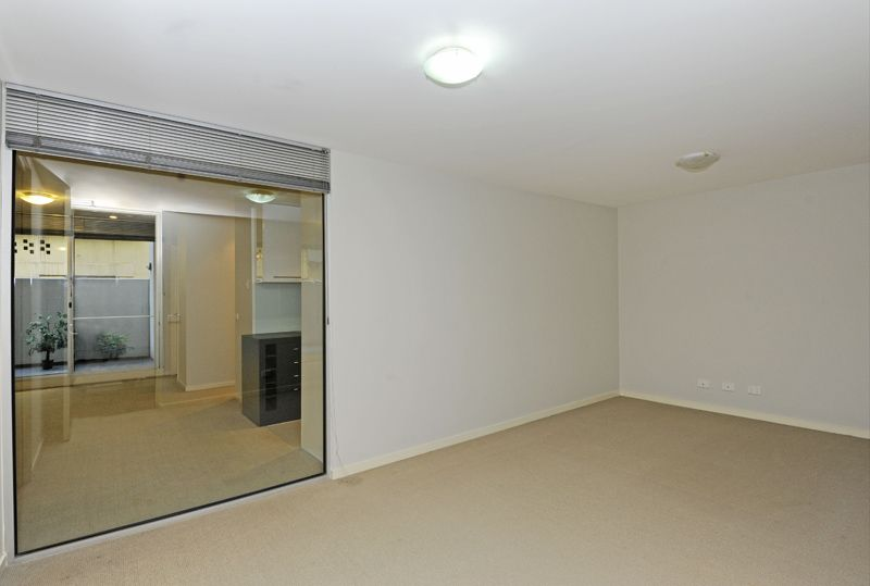 4/100 Queensberry Street, Carlton VIC 3053, Image 2