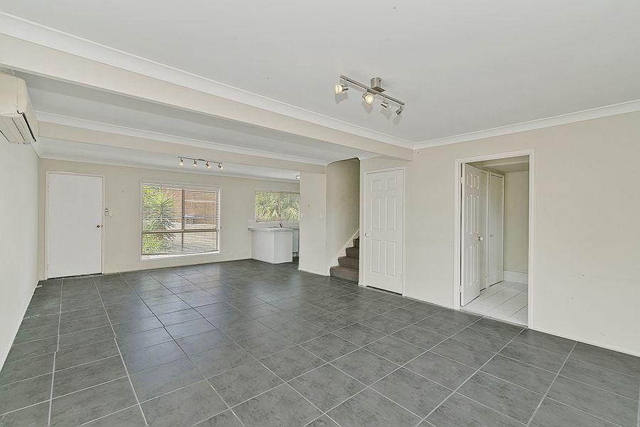23/15 Lane Court, Mount Warren Park QLD 4207, Image 2