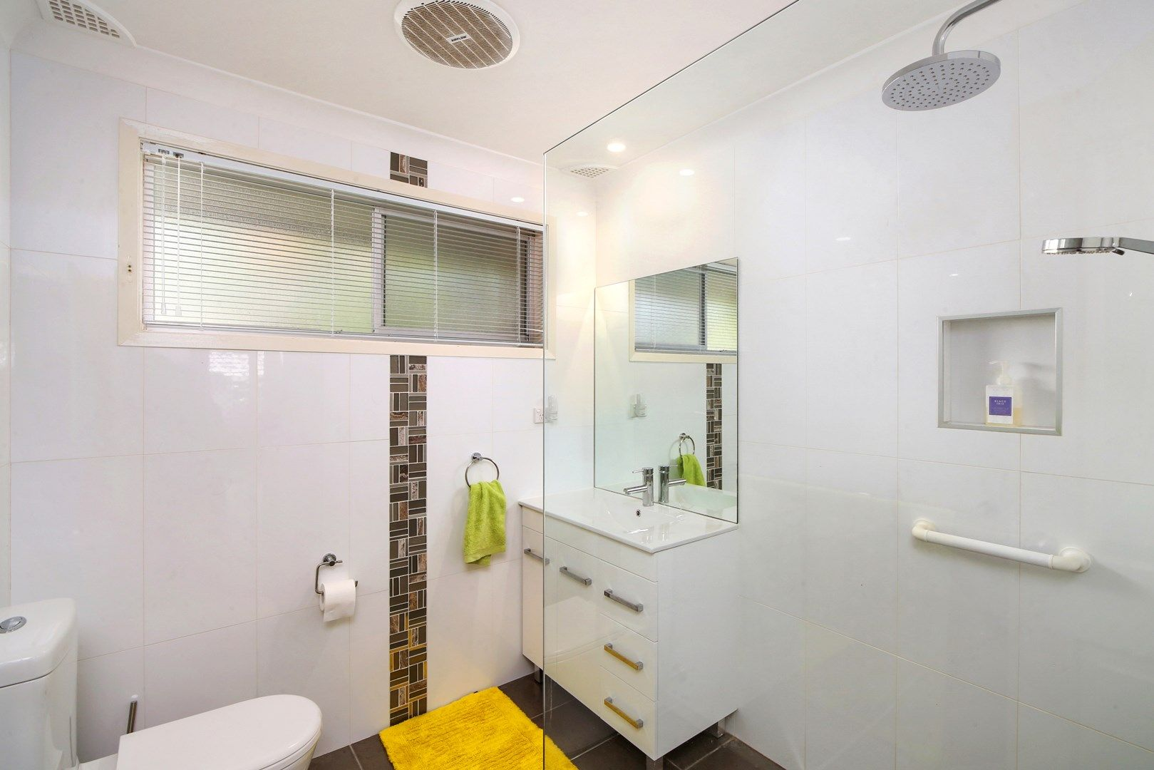 32 Golden Avenue, Point Clare NSW 2250, Image 2
