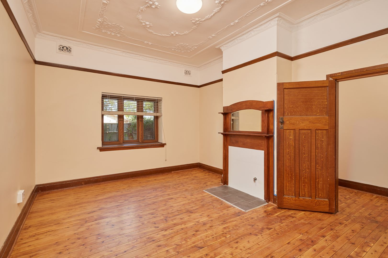 198 Edward Street, Wagga Wagga NSW 2650, Image 2