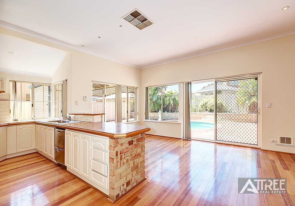 55 Welbeck Road, Canning Vale WA 6155, Image 2