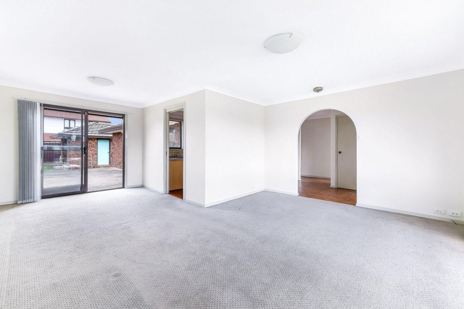 2 O'Connell Close, Lurnea NSW 2170, Image 2