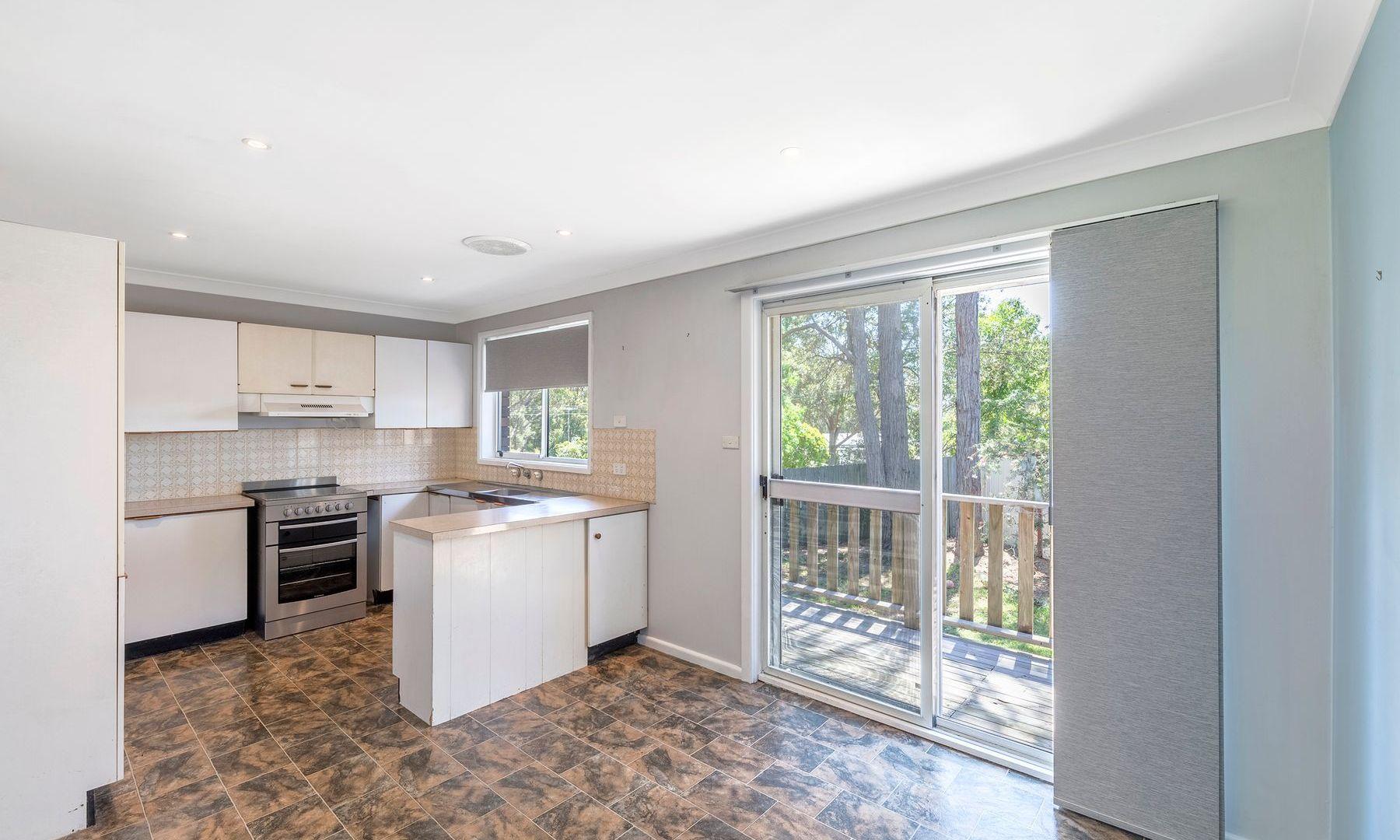 33 Jeannie Crescent, Berkeley Vale NSW 2261, Image 1