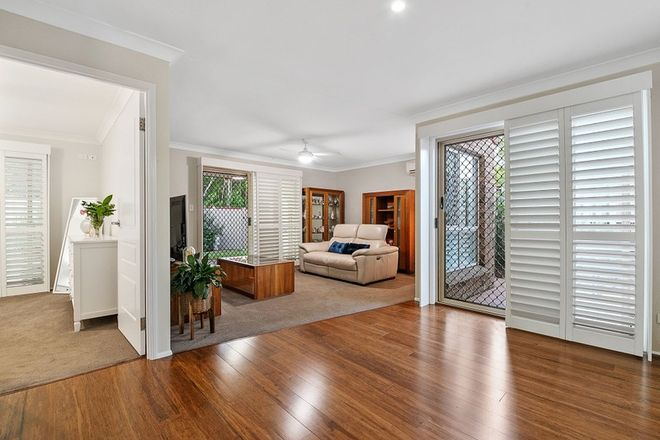 Picture of 20 Alpine Place, BELMONT QLD 4153