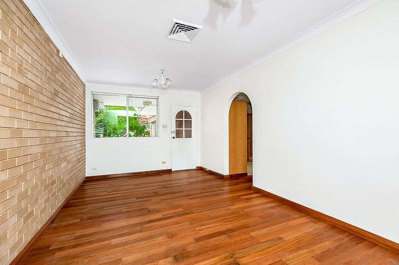 4/30 Llewellyn Street, Rhodes NSW 2138, Image 2