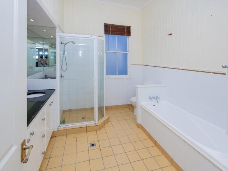 22 Accession Street, Bardon QLD 4065, Image 2