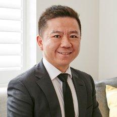 Brian Zhou, Sales Consultant