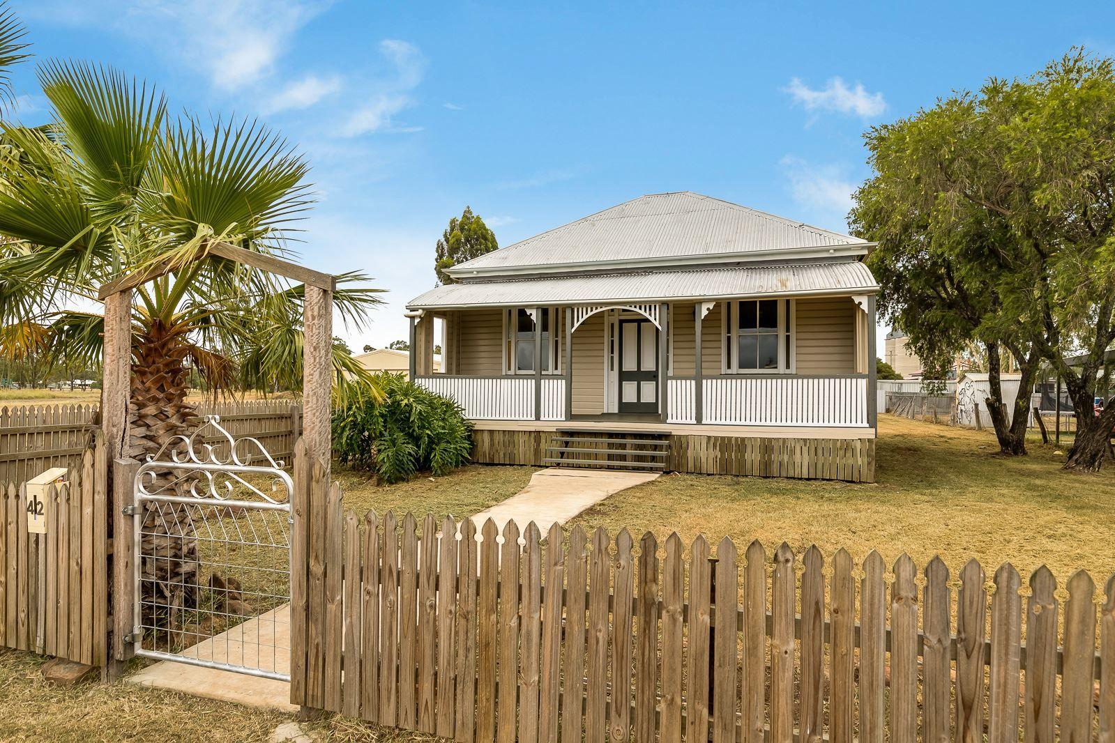 42 Davidson Street, Oakey QLD 4401, Image 0