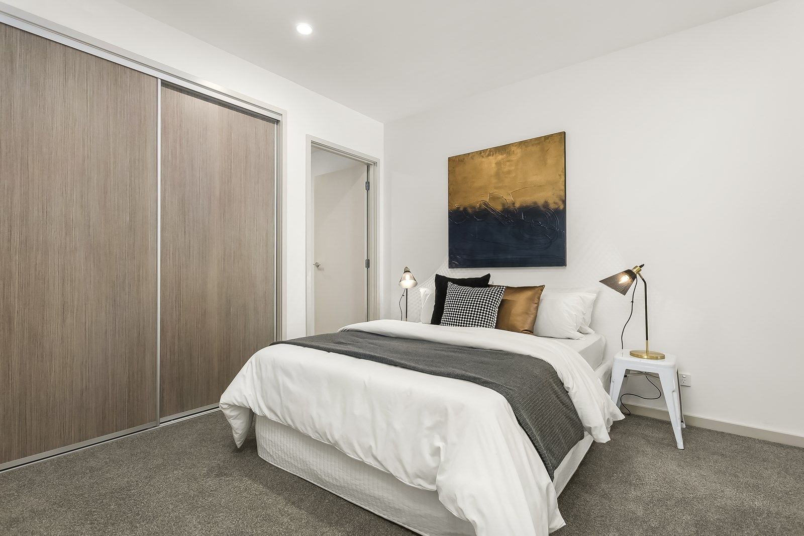 209/316 Pascoe Vale Road, Essendon VIC 3040, Image 2