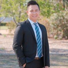 Michael Truong, Sales representative