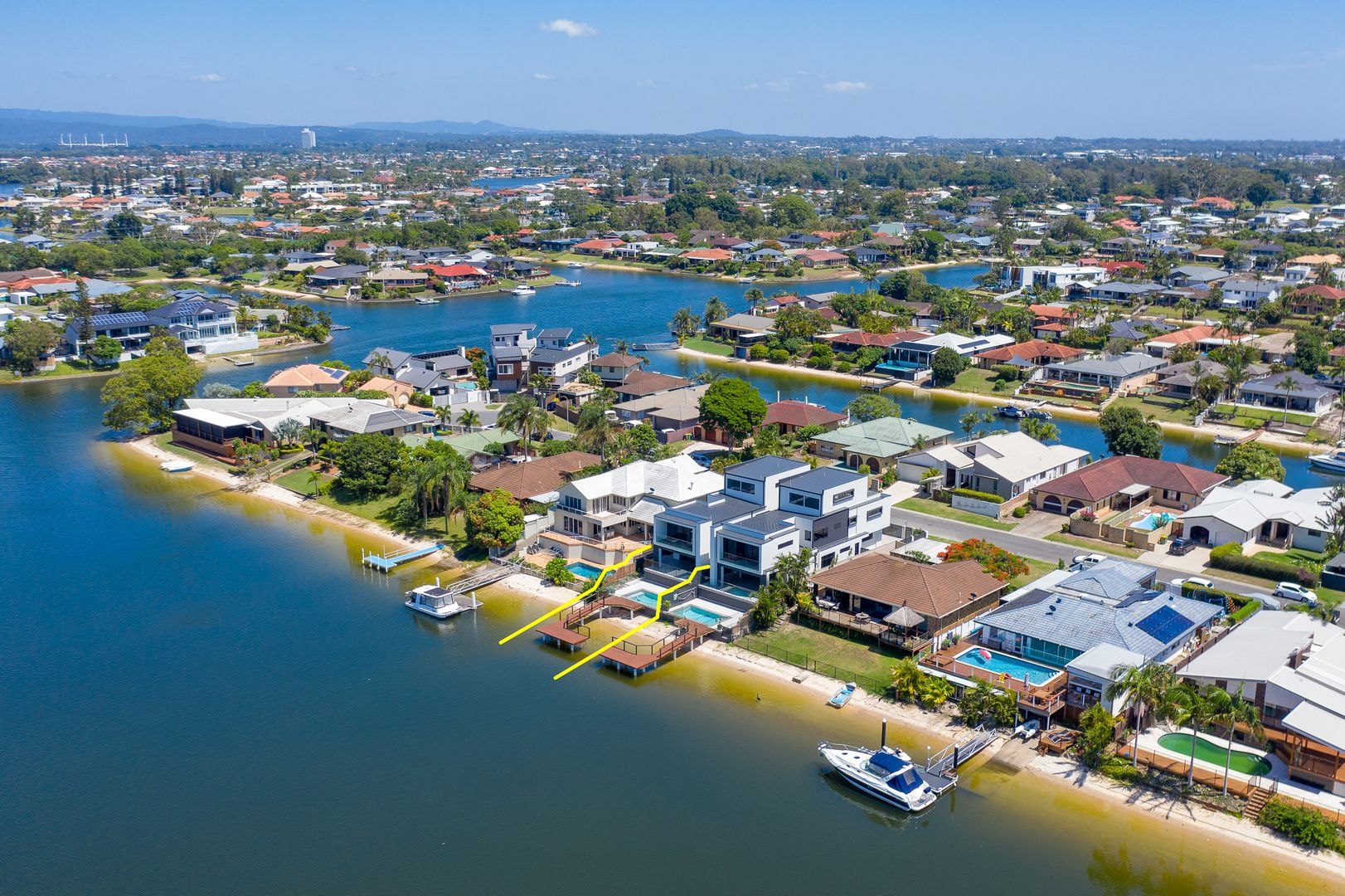 20A Delungra Street, Broadbeach Waters QLD 4218, Image 2