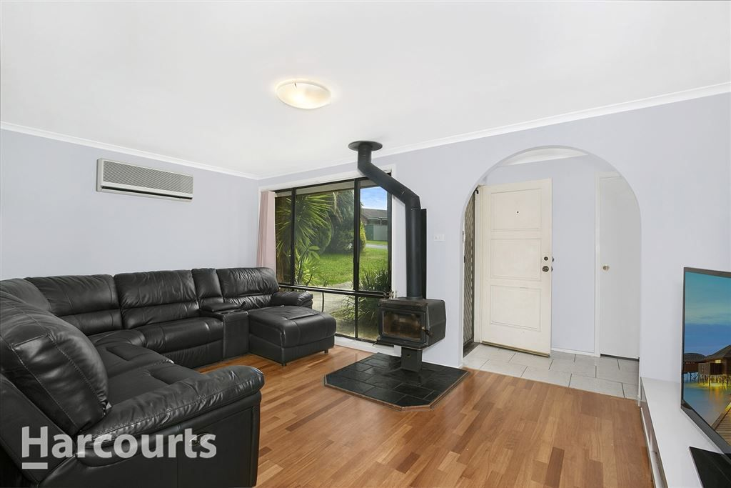 5 Serpentine Place, Eagle Vale NSW 2558, Image 2