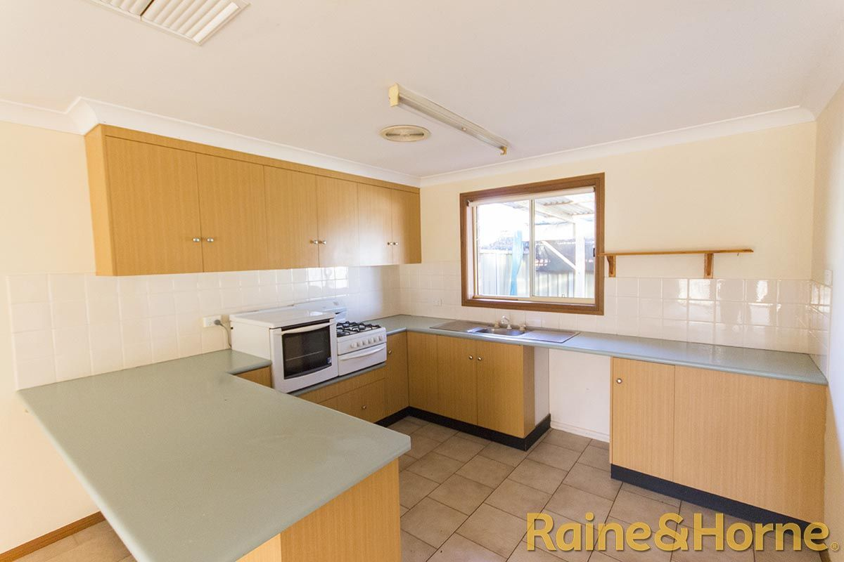 58A Oxley Circle, Dubbo NSW 2830, Image 1