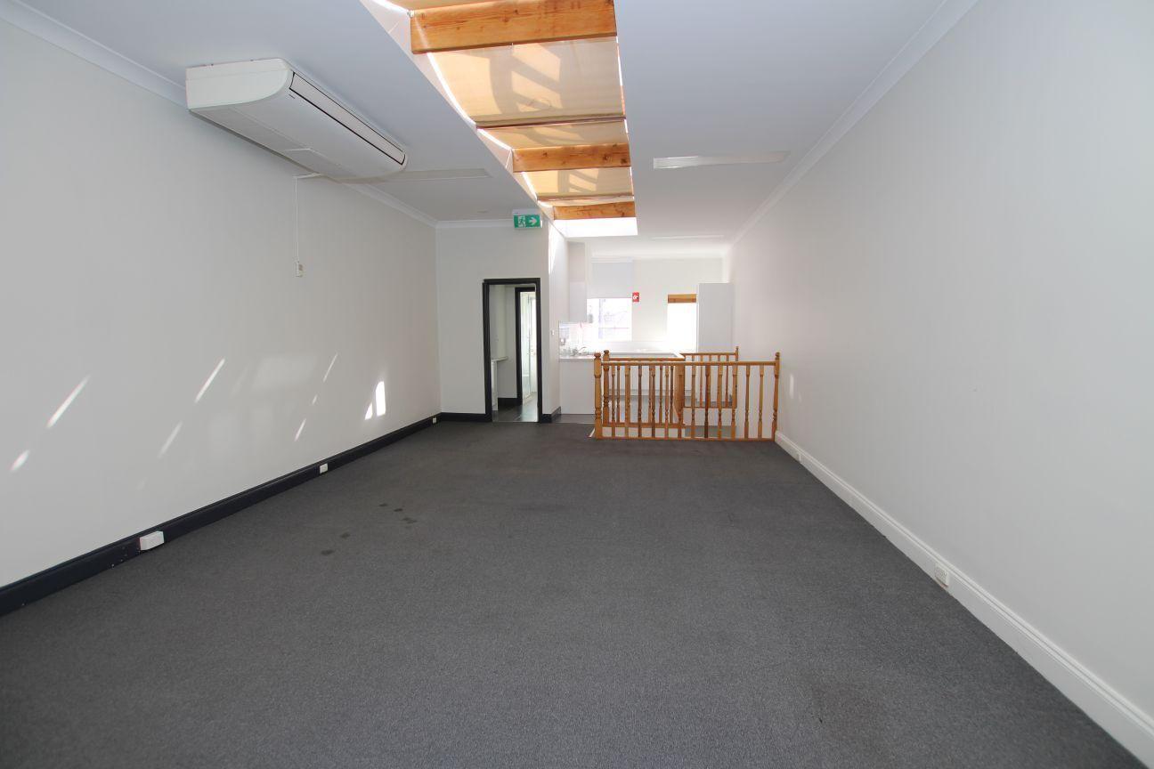8 Lalor Street, Port Melbourne VIC 3207, Image 2