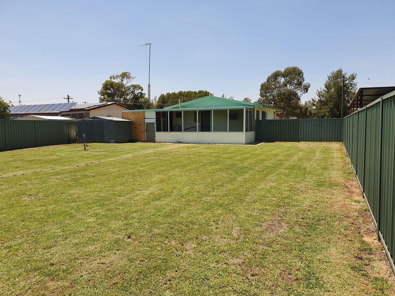 6 Brooks Crescent, Darlington Point NSW 2706, Image 2