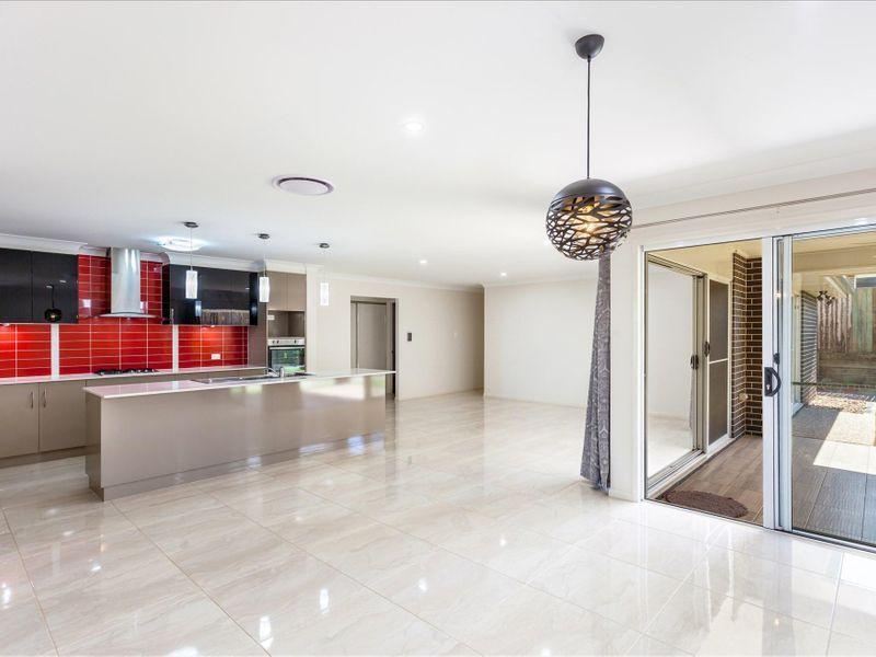 22 Neiwand Street, Kearneys Spring QLD 4350, Image 2