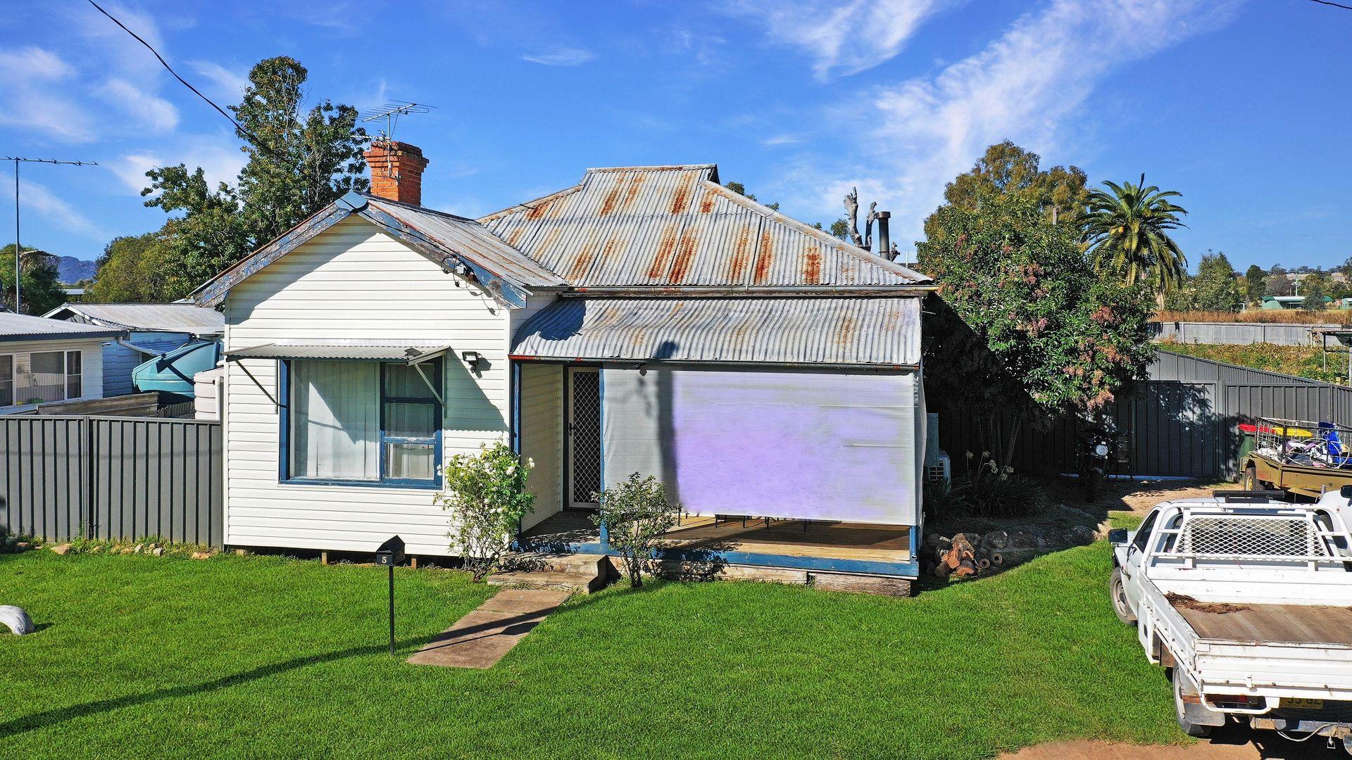 5 Pollock Street, Quirindi NSW 2343, Image 0