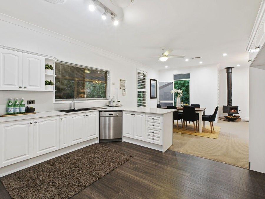 5 Rossmoya Street, Carindale QLD 4152, Image 2