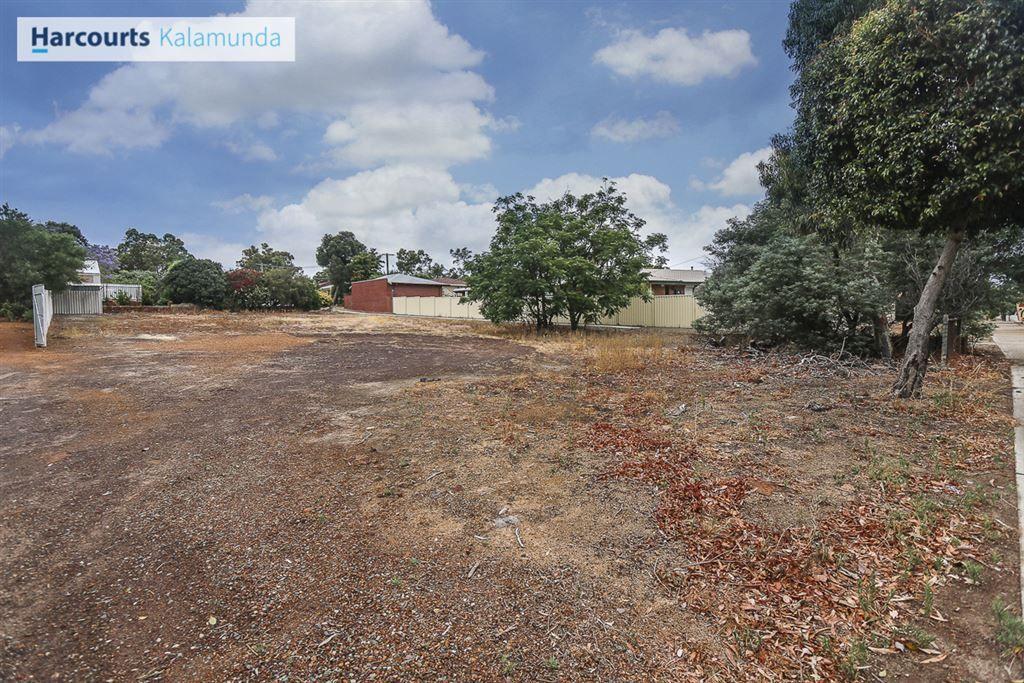 135 Canning Road, Kalamunda WA 6076, Image 2