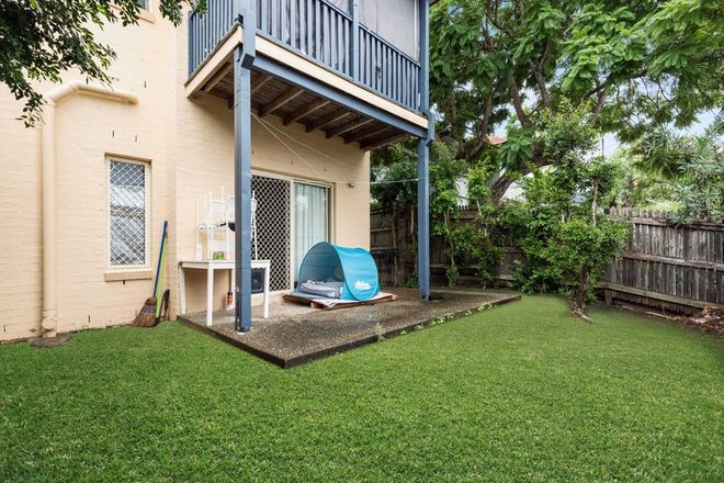 Picture of 18 Lockhart Street, WOOLLOONGABBA QLD 4102