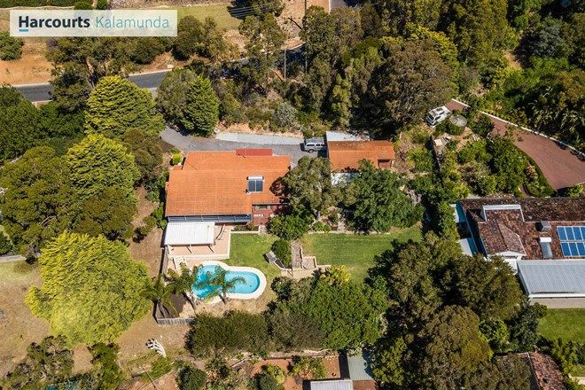Picture of 3 Regdel Road, LESMURDIE WA 6076