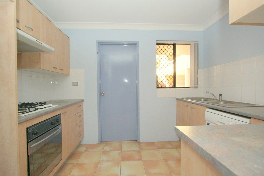 16/170-176 Greenacre Road, Bankstown NSW 2200, Image 2