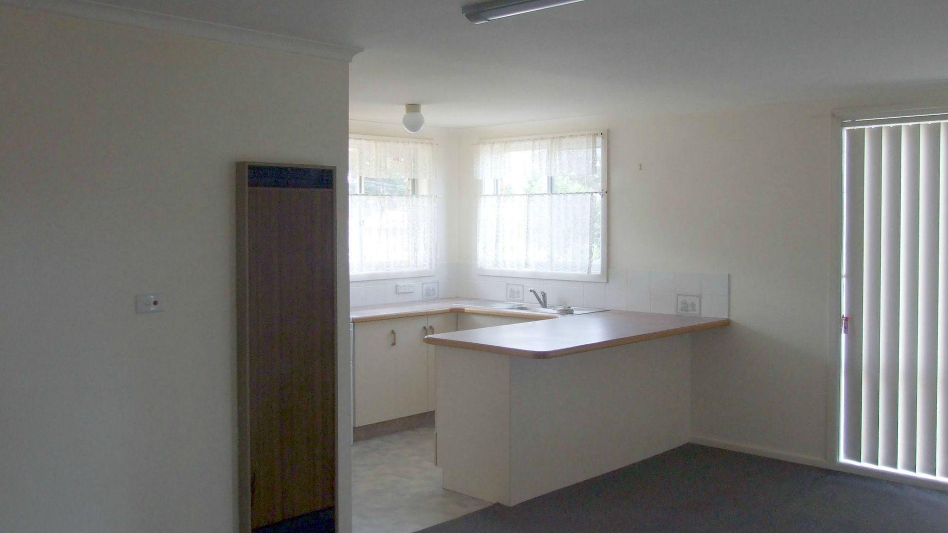 2/9 Yule Street, Eden NSW 2551, Image 2