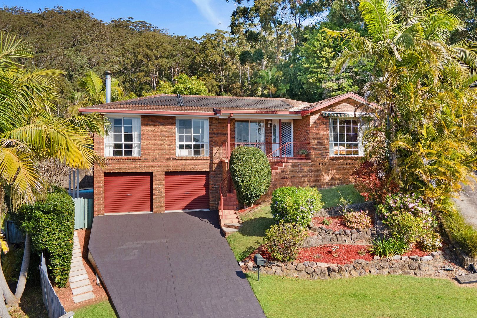 2 Curtis Close, Green Point NSW 2251, Image 0