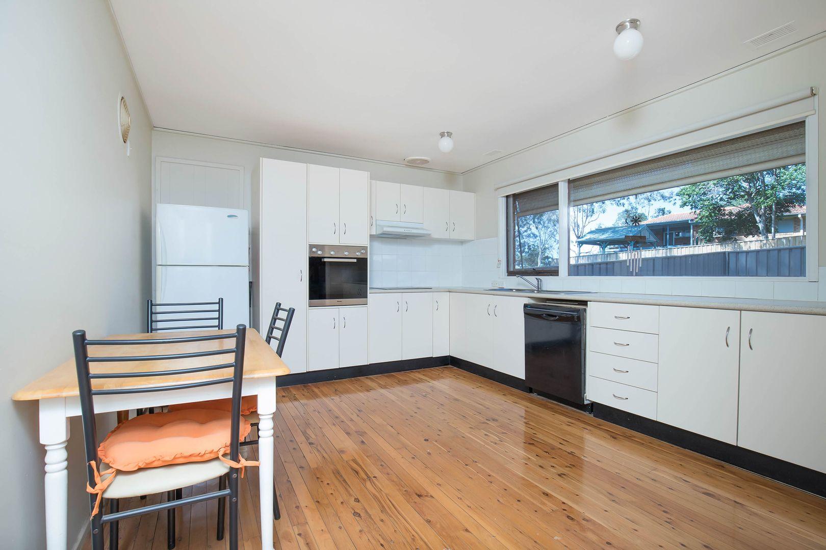 143 The Parkway, Bradbury NSW 2560, Image 2