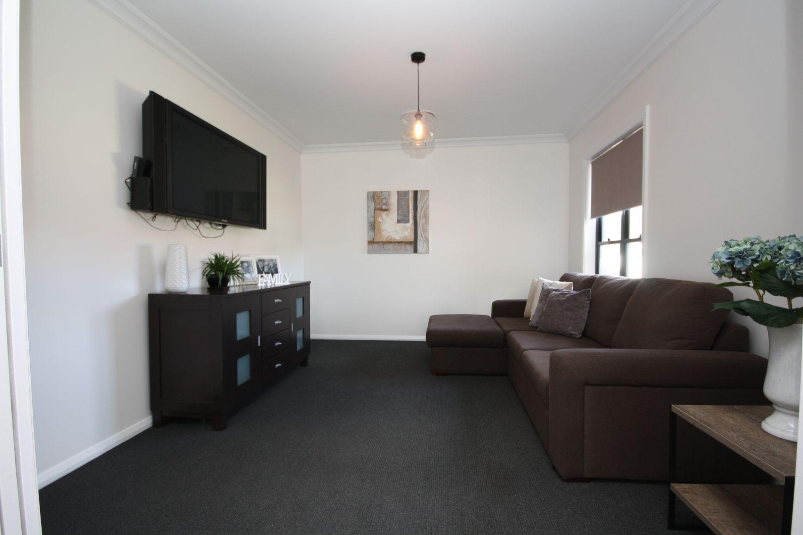 6 Rees Avenue, Boggabri NSW 2382, Image 2