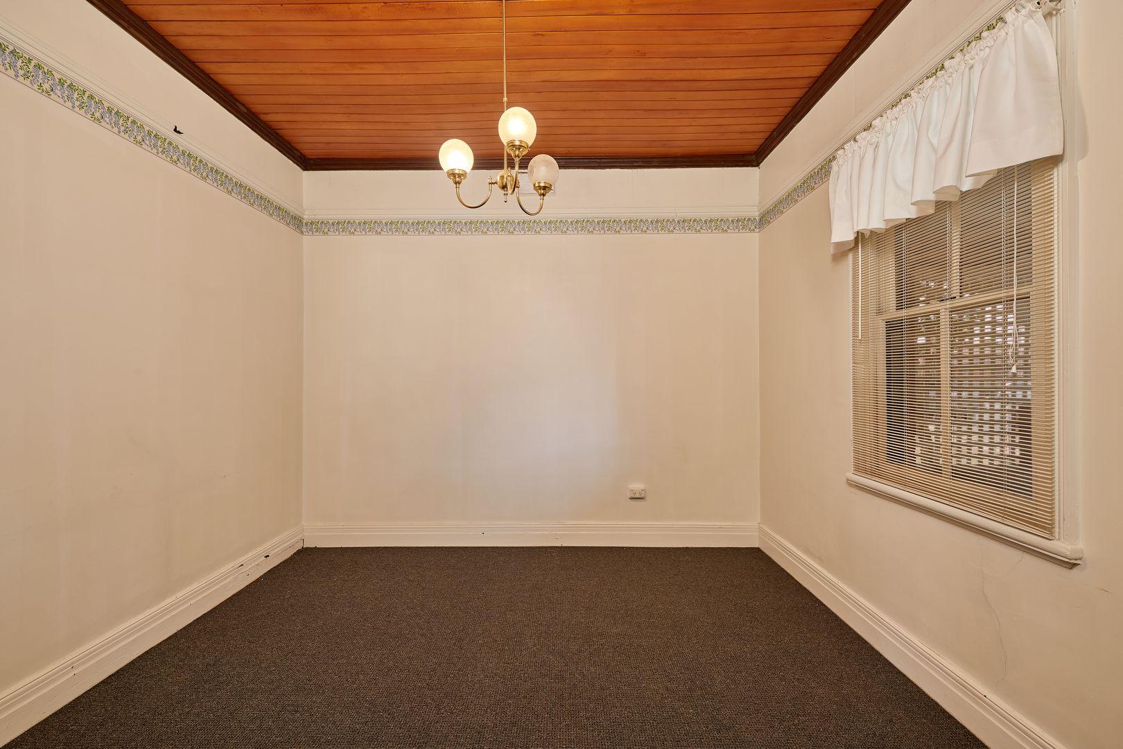 238 Edward Street, Wagga Wagga NSW 2650, Image 2