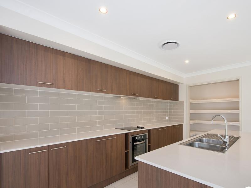 8 Harrison Street, North Lakes QLD 4509, Image 2