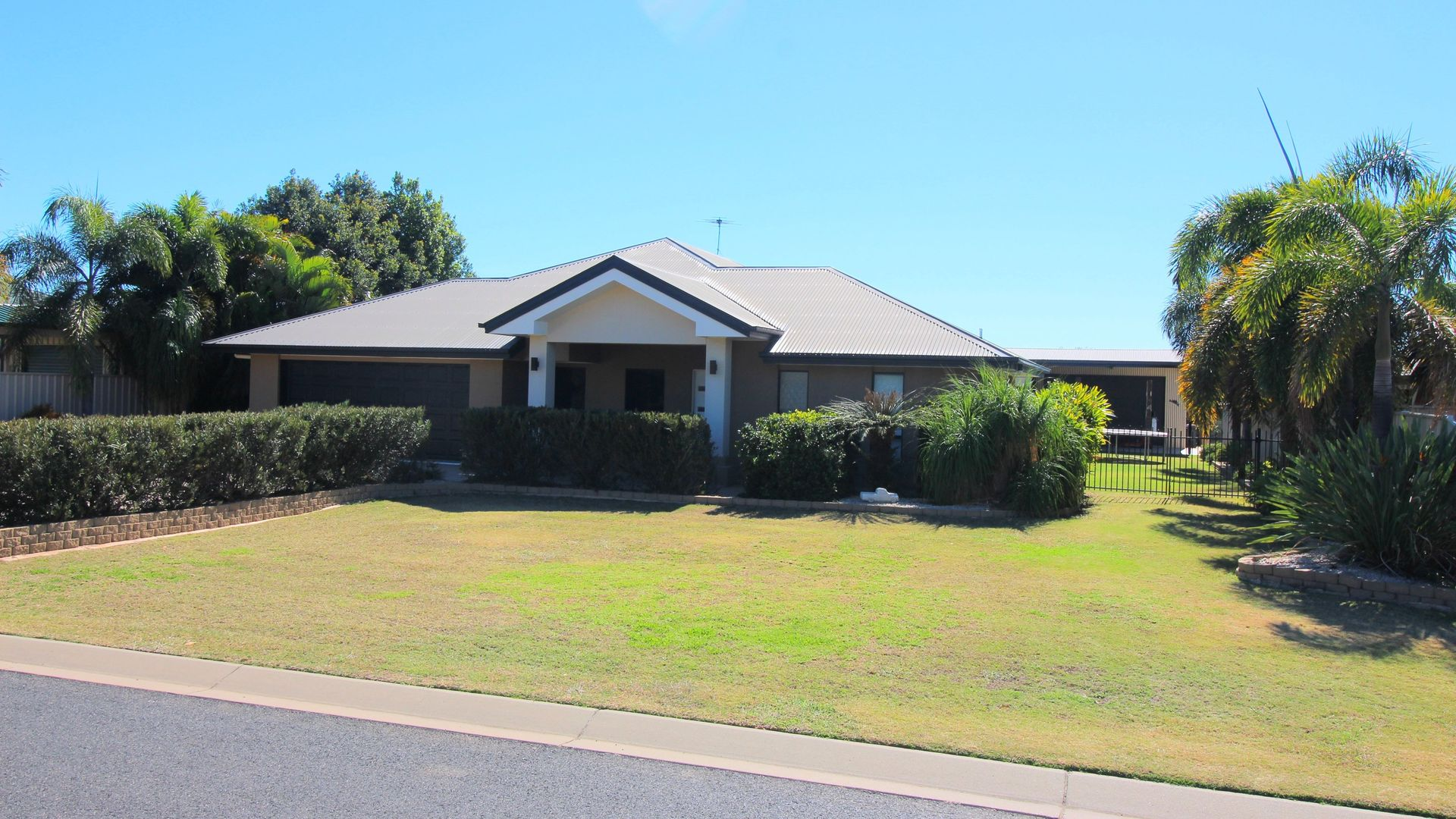 24 Carrington Place, Emerald QLD 4720, Image 1
