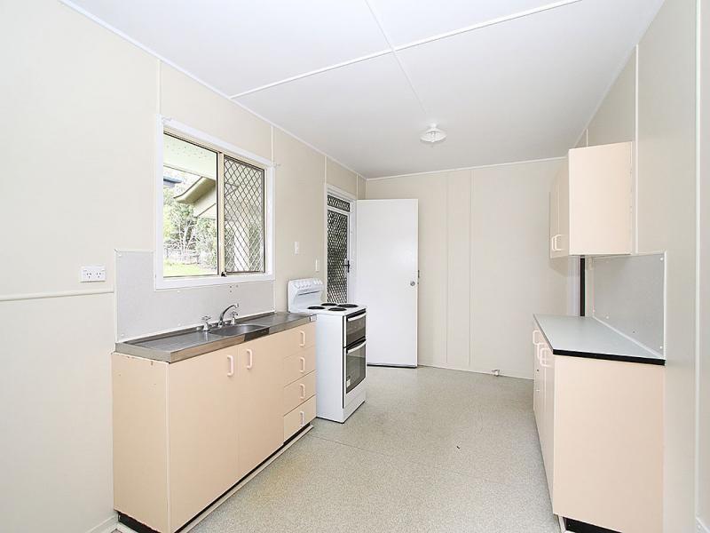 31 Amoria Street, Mansfield QLD 4122, Image 2