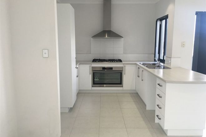 Picture of 2/11 SHIPTON LOOP, ASHBY WA 6065