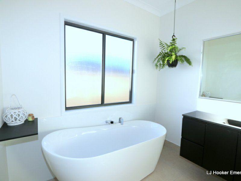 8 Costello Court, Emerald QLD 4720, Image 2