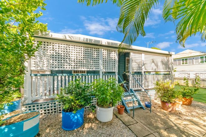 Picture of 18 Sixth Avenue, SOUTH TOWNSVILLE QLD 4810
