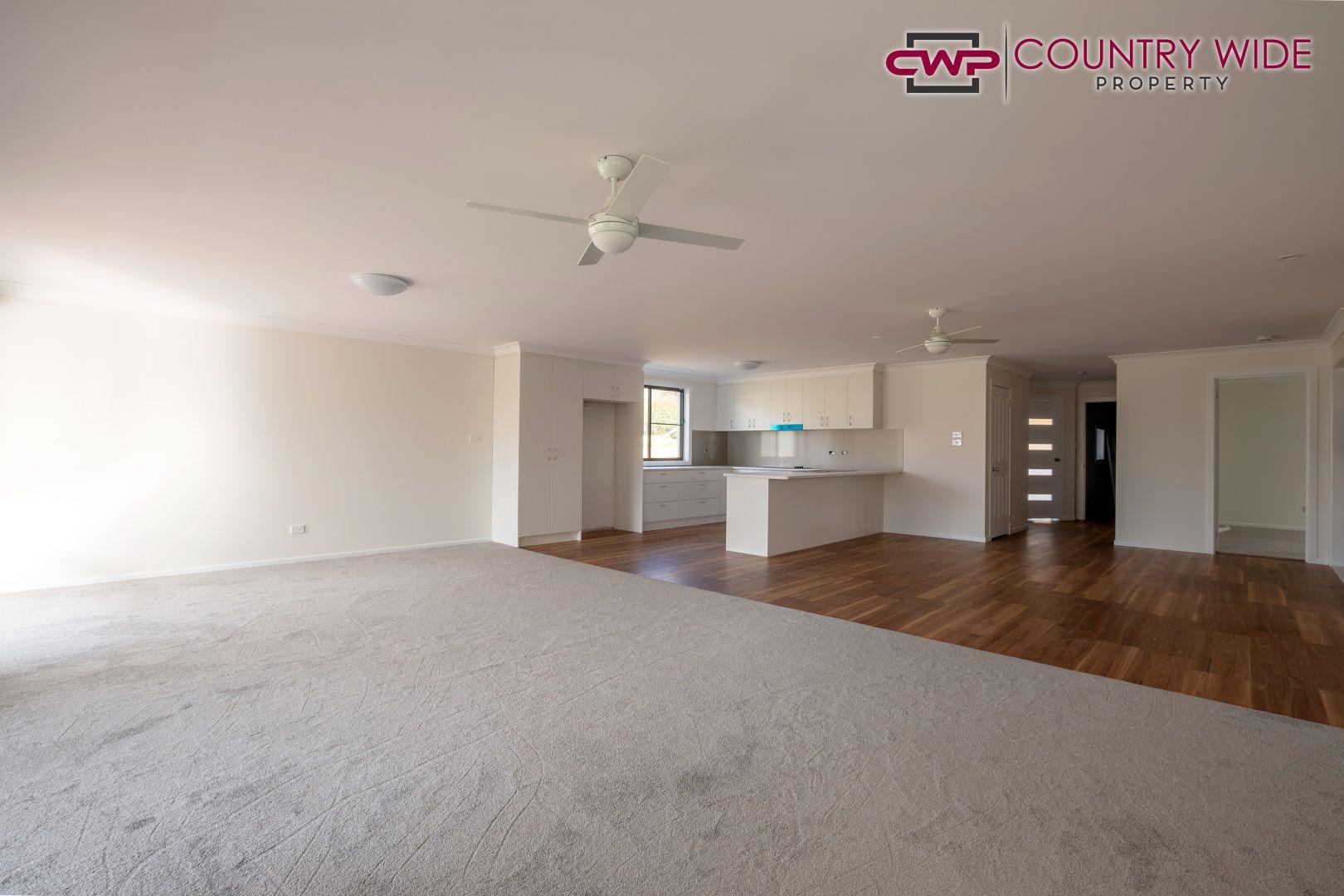 74 Heron Street, Glen Innes NSW 2370, Image 2