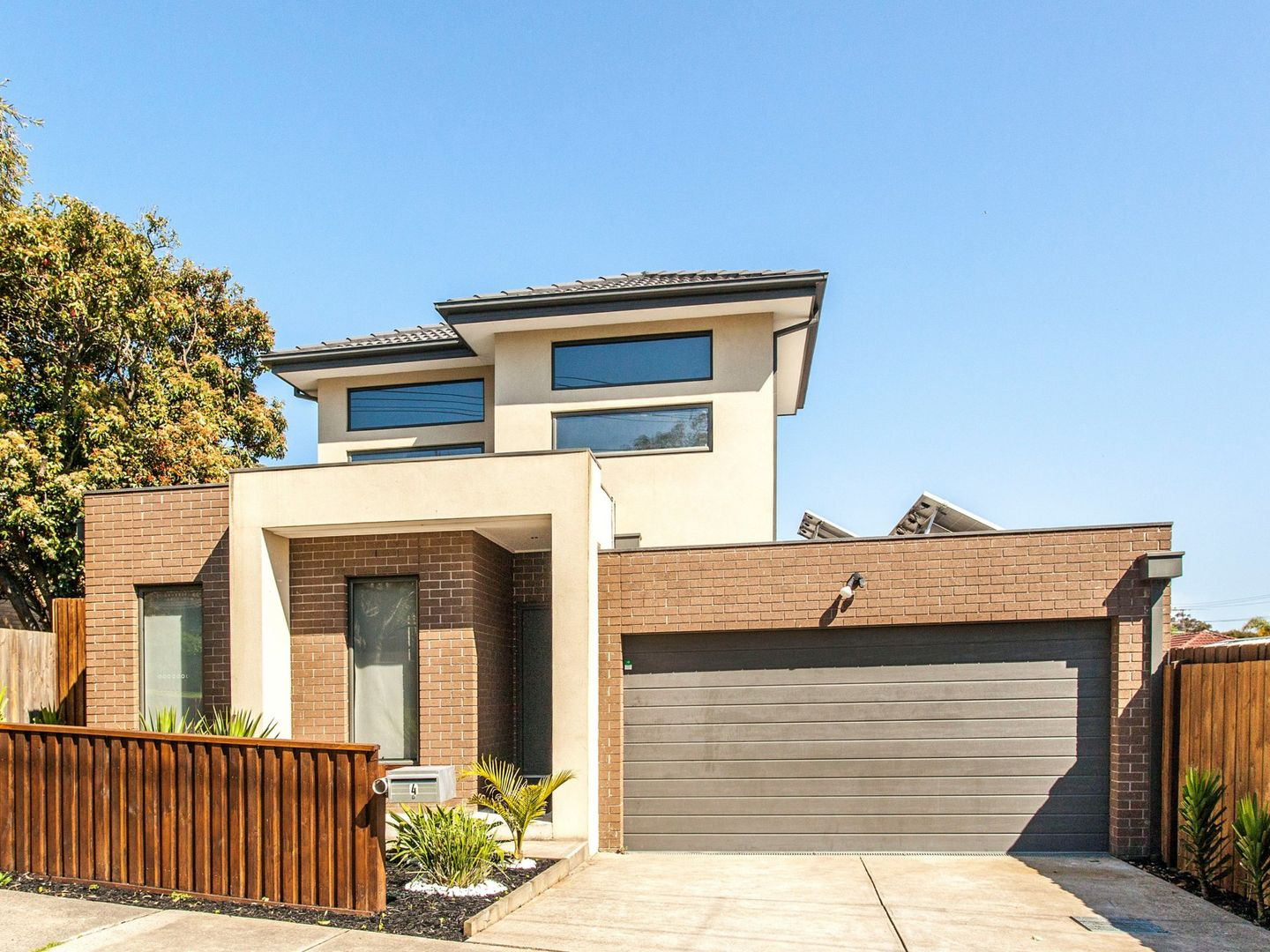 4 Shakespeare Avenue, Mooroolbark VIC 3138, Image 0