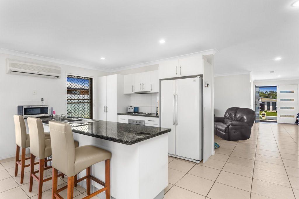 21 Leggett Street, Morayfield QLD 4506, Image 2