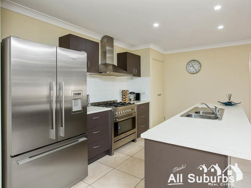9 Kenilworth Crescent, Waterford QLD 4133, Image 2