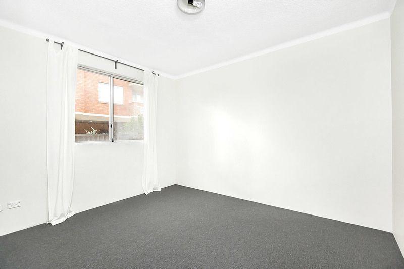 1/64 Sackville Street, Fairfield NSW 2165, Image 2