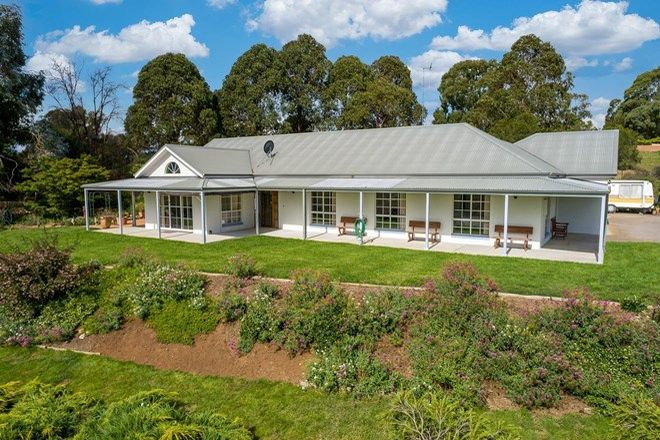 Picture of 2 Mount Lindsay Drive, ORANGE NSW 2800