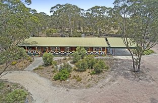 15 Greenhood Court, Long Forest VIC 3340