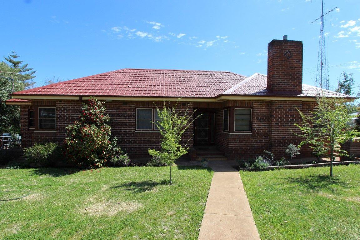 74 Holbrook Street, Temora NSW 2666, Image 0