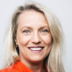 Suzi Taylor, Sales representative